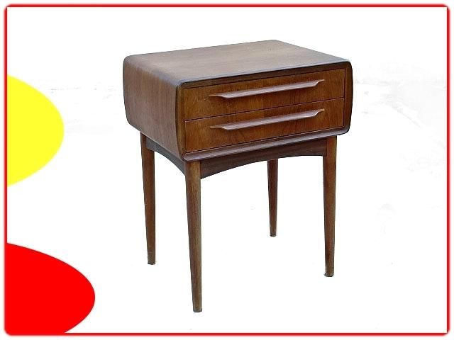 table de chevet par Johannes Andersen design