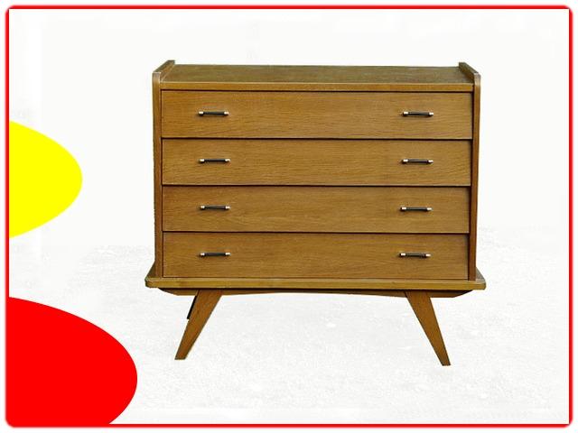 Commode vintage inclinée bois clair