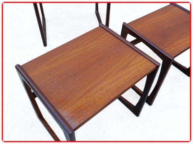 3 tables gigognes GPLAN en teck