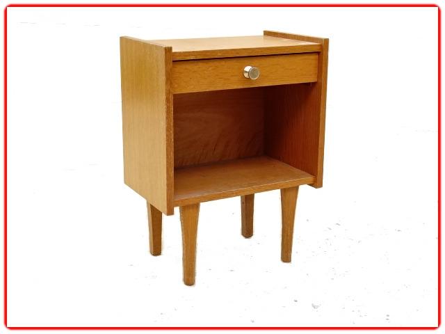 chevet vintage bois clair