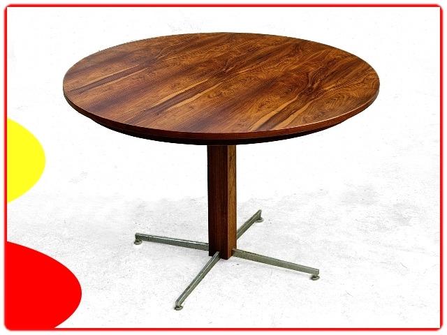 Table en palissandre jacaranda Jorge Zalszupin design moderniste 1960
