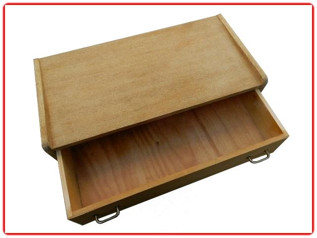 Commode vintage bois clair pieds compas