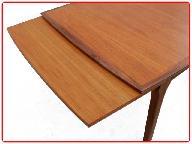 Table de salle à manger design scandinave teck