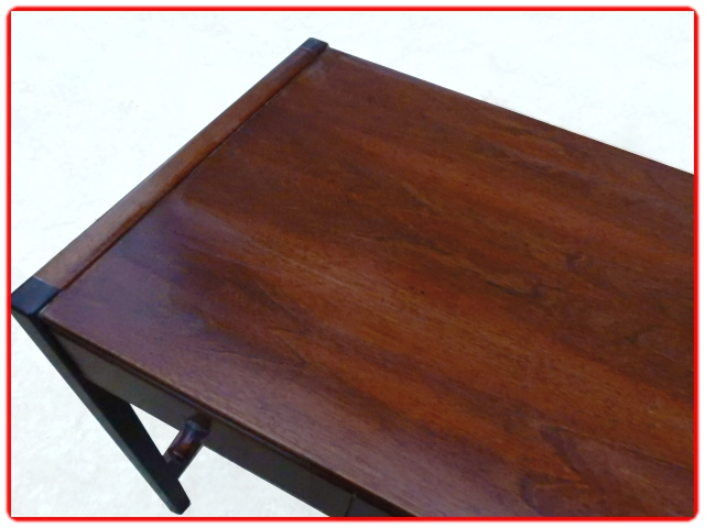 bureau design scandinave teck 5 tiroirs