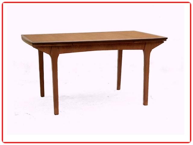 table à manger design scandinave