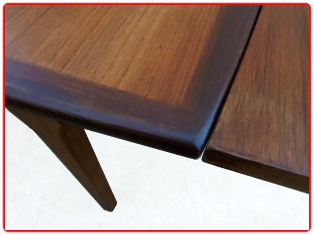 table teck scandinave vintage