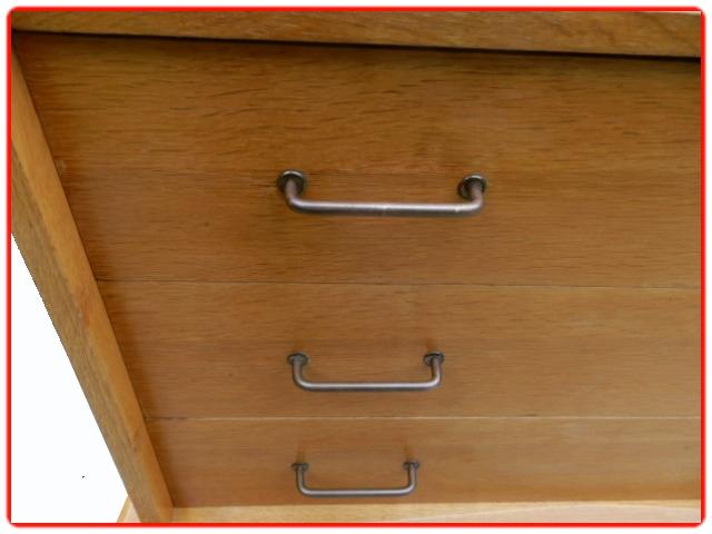 Commode vintage bois clair poignées laiton